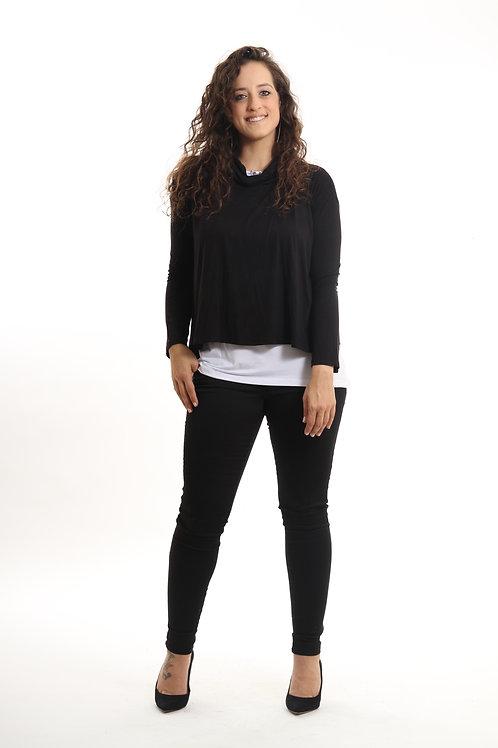 סט אורי - עליונית שמשתלבת מושלם עם גופיית סבא. גזרת העליונית רחבה ומחמיאה לאזור הגב והבטן. אליה | ELYA Fashion | חולצות חורף