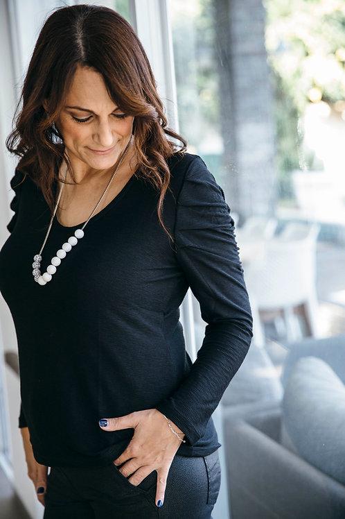 חולצת פלאם כיווצים בשרוול שחור