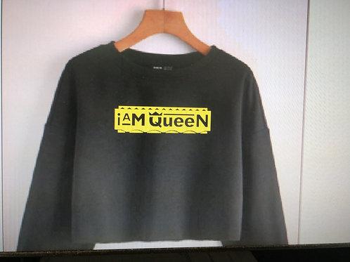 Crop I Am Queen sweatshirt