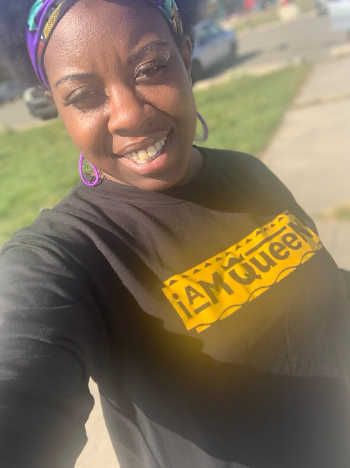 I Am Queen Backout Tee shirt