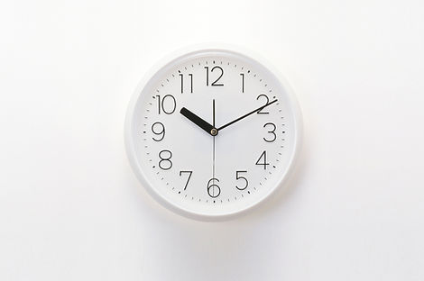 A clock representing hours at Applied String Lessons.
