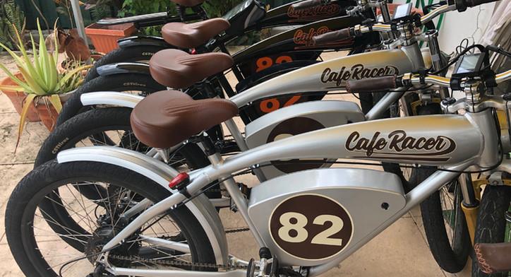 Cafe Racer '82 chorus line