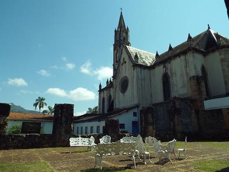 Turismo religioso movimenta o Santuário do Caraça durante a Semana Santa