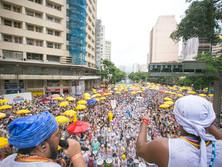 Com homenagem a Gilberto Gil, Baianas Ozadas agita milhares de foliões no Centro de BH