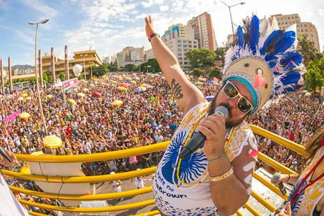 Baianas Ozadas abre a programação carnavalesca de 2019 com ensaio da bateria
