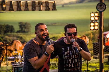 Bruno César & Luciano dominam as paradas musicais do país com 'Puro Malte'