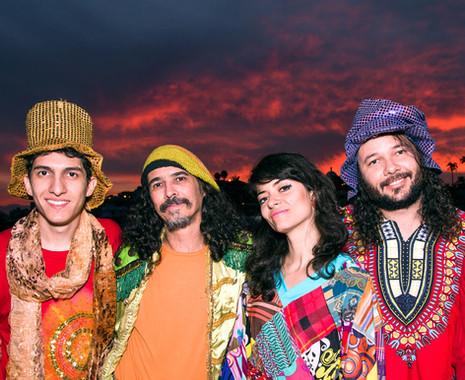 Nem Secos comemora 15 anos de carreira e lança CD