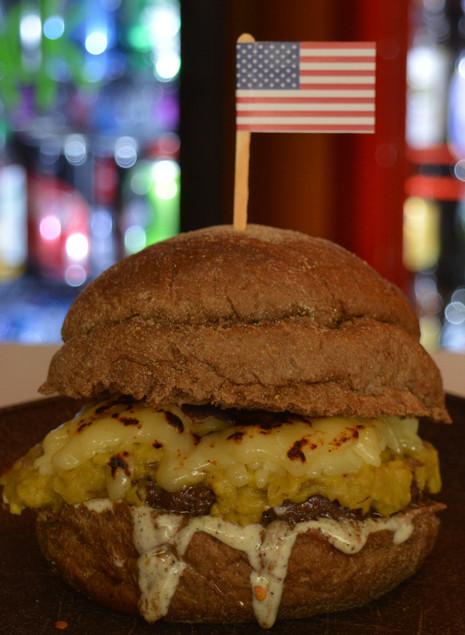 Trip Food - Comida Mochileirarealiza noite com mini-hambúrgueres à vontade