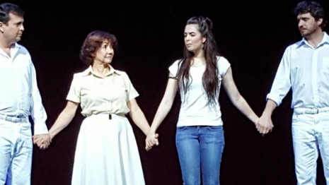 """Araxá e Uberaba recebem o espetáculo espírita """"Violetas na Janela"""" neste final de semana"""