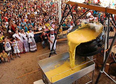 Tombo da Polenta, danças típicas, cervejas artesanais e gastronomia gaúcha são atrações da MinasTchê