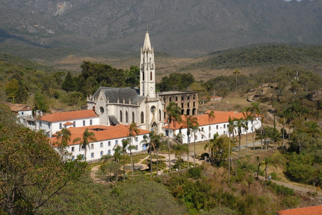 Santuário do Caraça divulga orientações para hospedagens e visitas