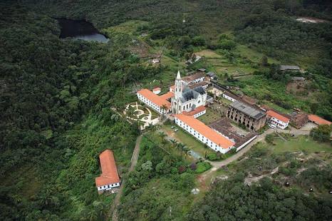 Santuário do Caraça é opção de destino nas férias para descanso em meio a natureza