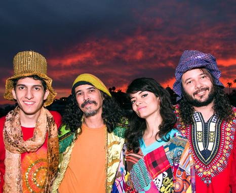 Nem Secos comemora 15 anos com show e lançamento de CD em BH