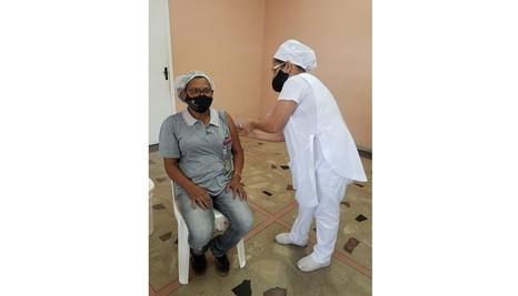 Covid-19: CENSA Betim imuniza pessoas com deficiência intelectual e colaboradores