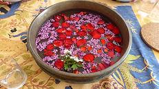 fleur dans bassineJPG.JPG
