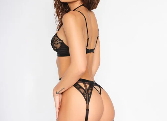 UPTOWN GIRL CROTCHLESS SET