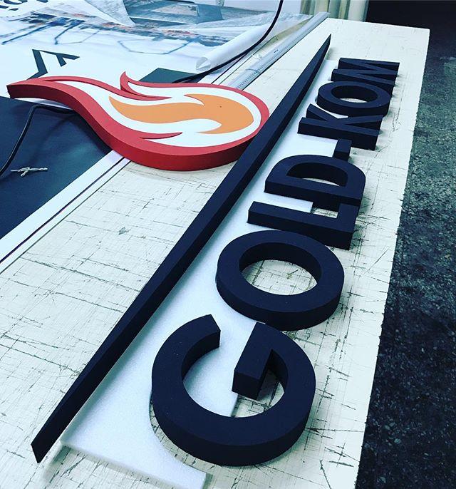 Zamów przez #insta Twoje #logo - wyślemy 👌 #litery3d #literyprzestrzenne #literyzestyroduru #reklam