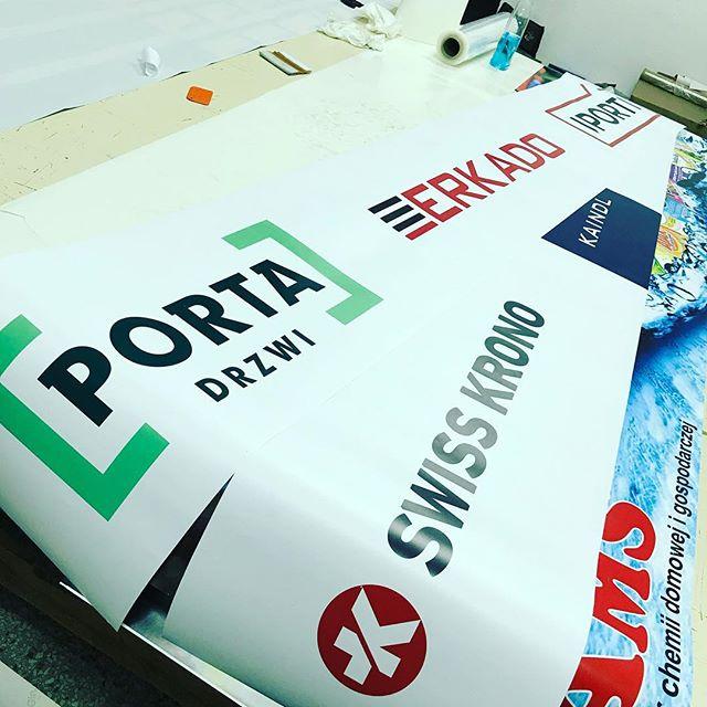 #wydrukiwielkormatowe #drukarnia #swisskrono #kaindl #persecto #portadrzwi #porta #erkado #iporti