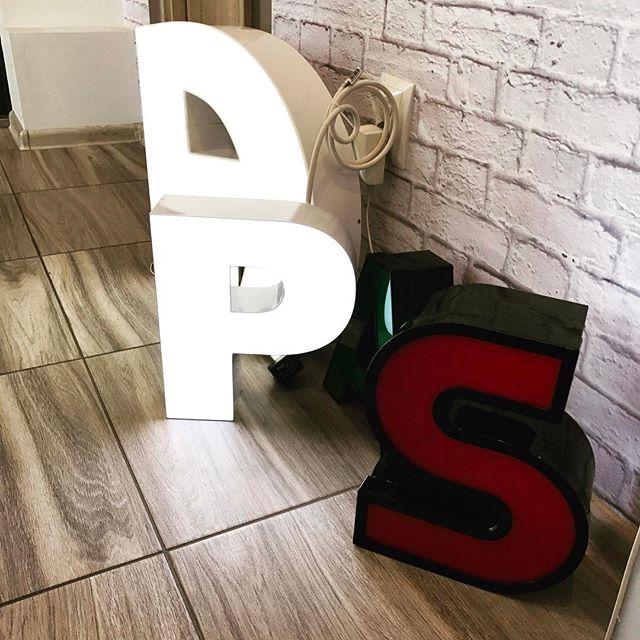 Litery i znaki świetlne - zapraszamy do składania zamówień _)