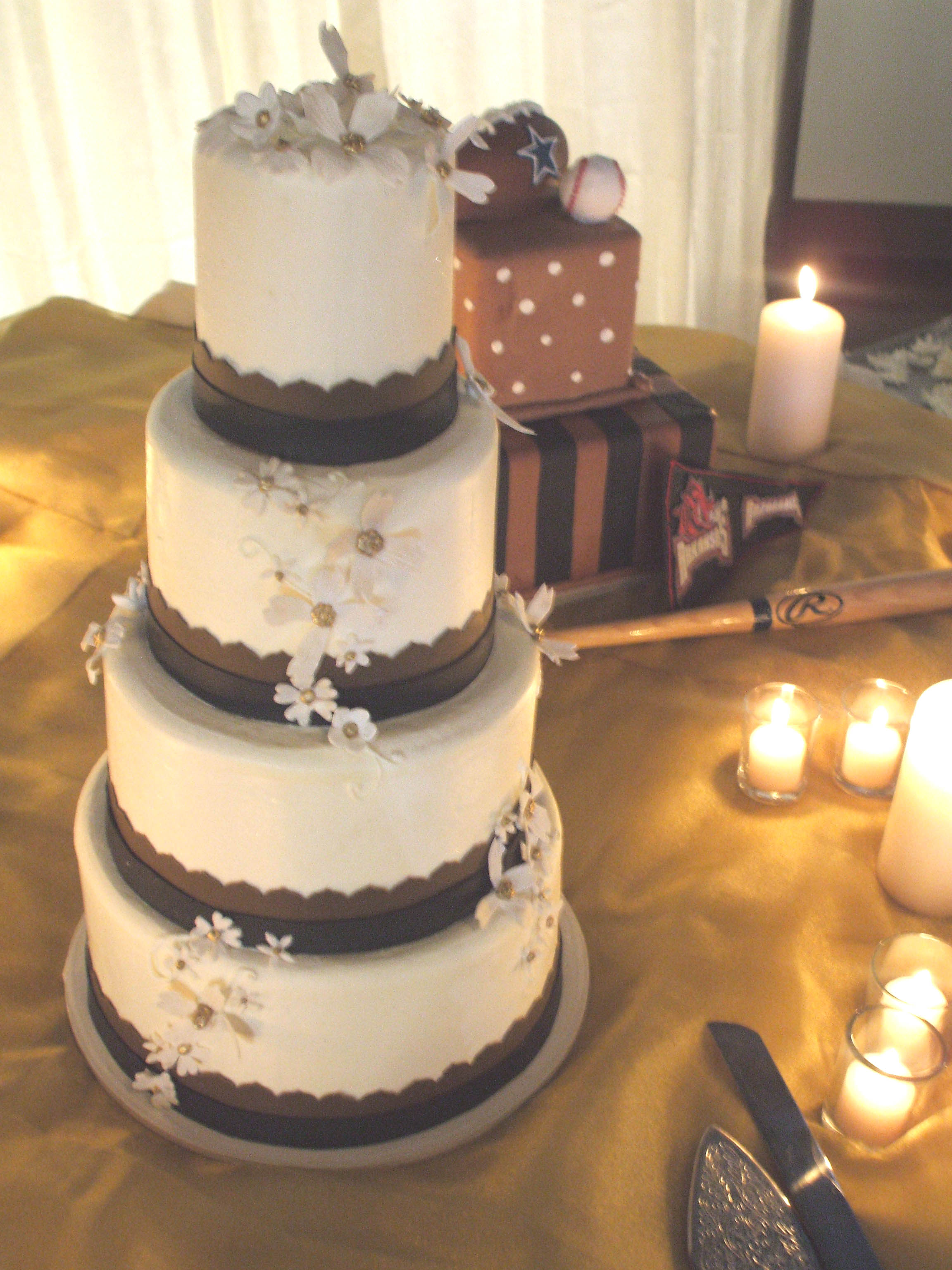 Wedding Cake, Grooms Cake