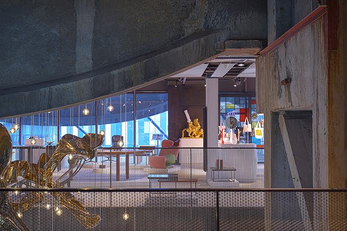 ARTSHIP-design-store-Shanghai-Lapis-Bureau-08web-interiors-clash-design-industrial