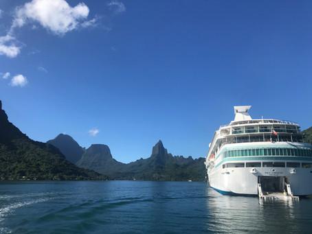 Islands of Tahiti by Boat!