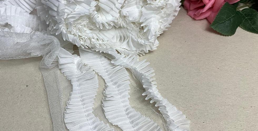 Renda de Tule Branca com detalhe drapeado- 18 cm x 3 m