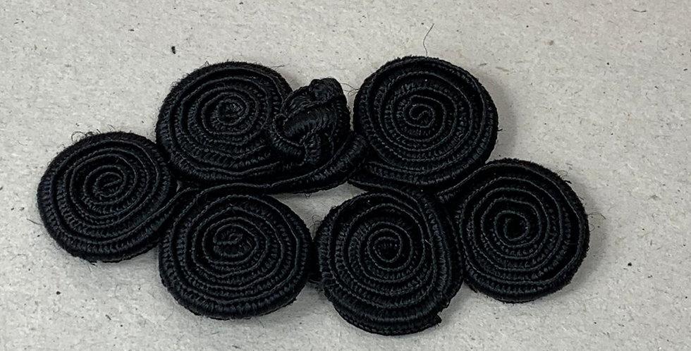 Botão em tecido preto - com 3 pares - 9x4,5 cm