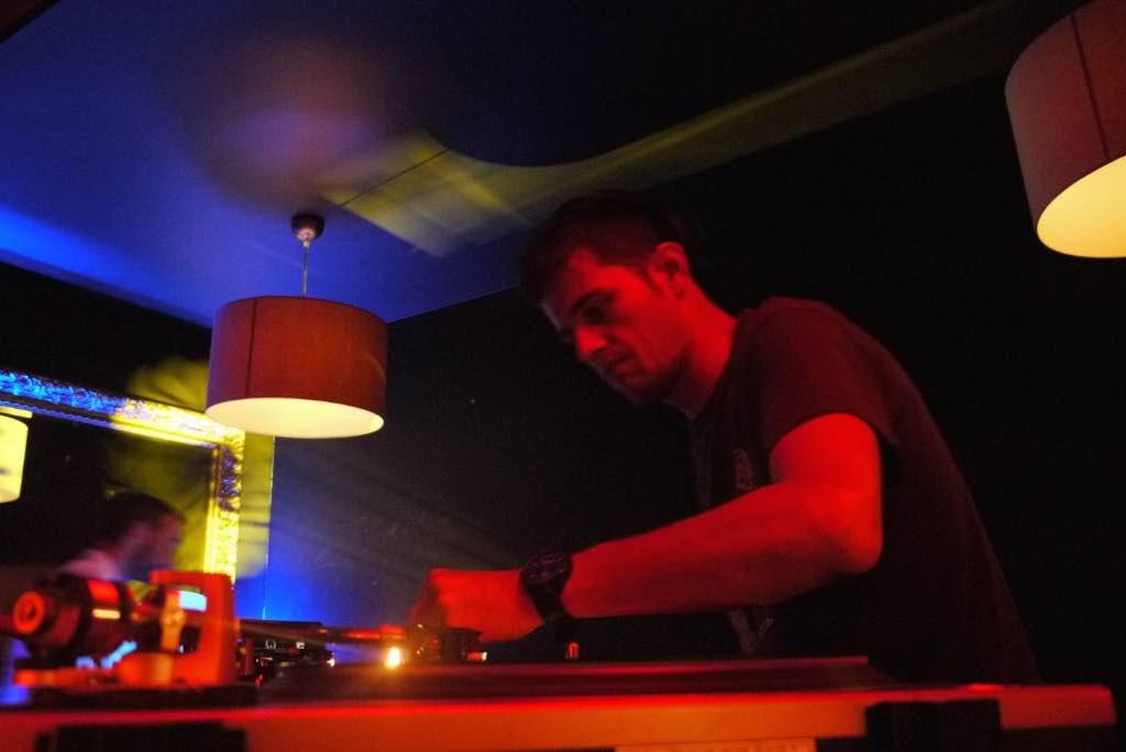 Dj Blar-Mix platines-tour du monde-lorient_web