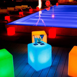 Cubo_LED_piscine