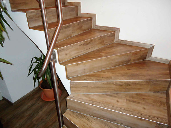 treppenkantenprofil_eiche_burgund_6596.j
