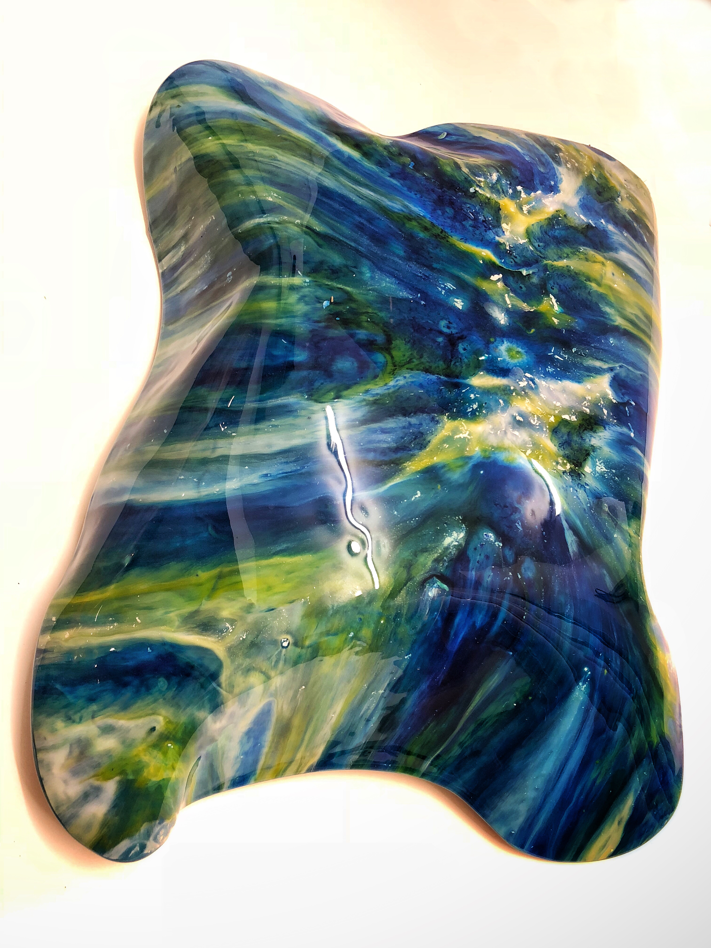 Free form resin bowl