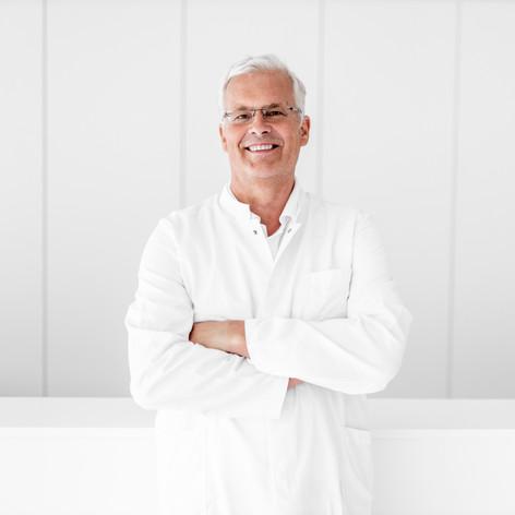 OA Dr. Thomas Schmidhuber