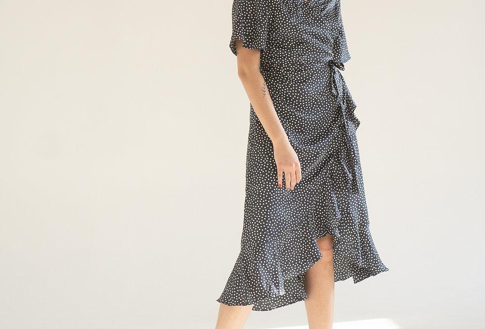 Платье на запах с оборками синее в горошек