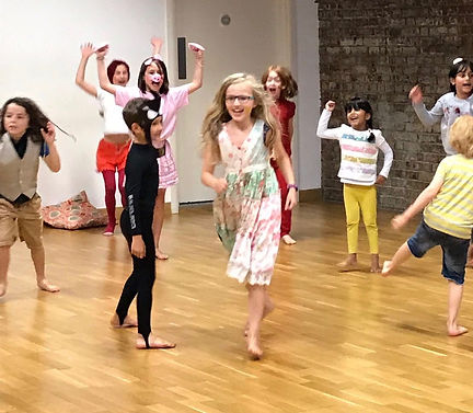 Holiday Camp in Hackney fo kids age 5-11 year olds. Drama, Dance and Crafts Activities.