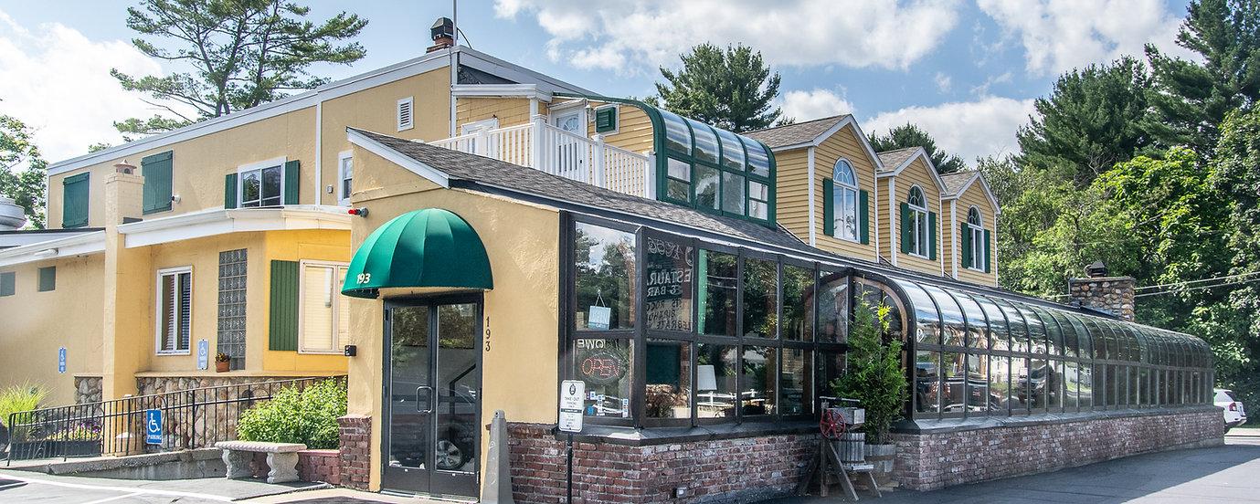 Rocco's Italian Restaurant % Bar