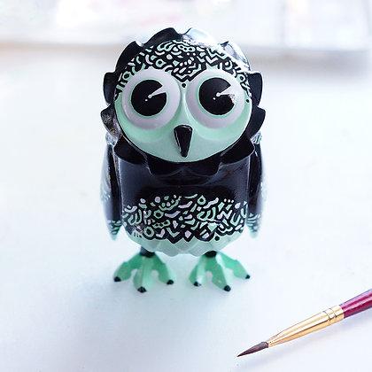 "Custom Omen Owl  ""Crème de menthe"""