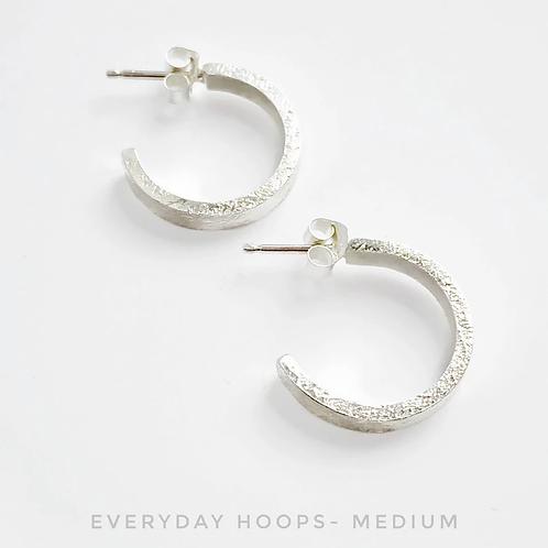 medium everyday hoops silver