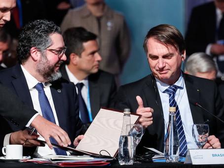 Governo quer reduzir alíquota do Imposto de Renda para máximo de 25%, diz Bolsonaro