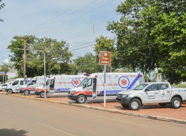 Saúde apresenta novas ambulâncias e veículos adquiridos