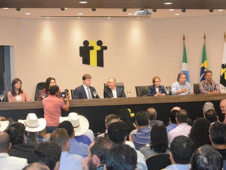 Ministro anuncia repasse de R$ 75 milhões para 10 municípios