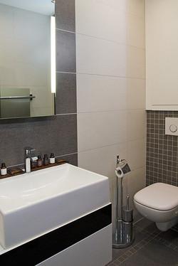 Small-bathroom
