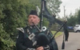 Bagpipes Andy 2018 (2)_edited.jpg