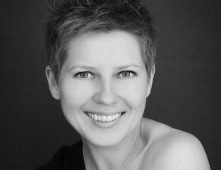Marina Meier Helps Women on Their Journey to Self Love Through Boudoir Photgraphy