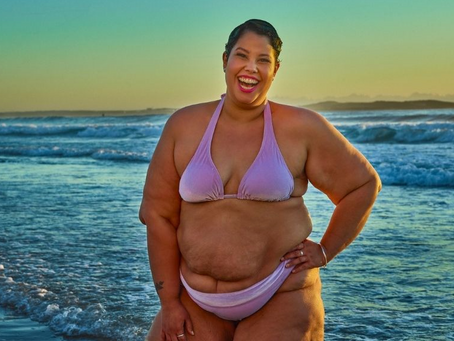 April Hélène-Horton is the First Plus Size Model to be Featured on an Aussie Billboard in a Bikini