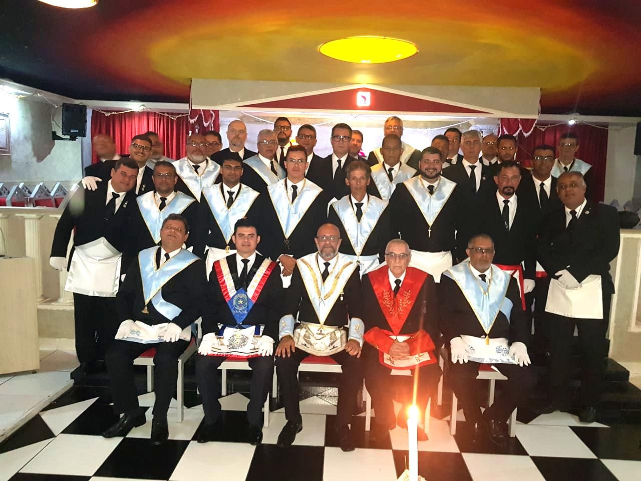 Regularizações, iniciações e visitas ilustres marcam Sessão Magna da Irmãos Andradas nº 42 em Santos