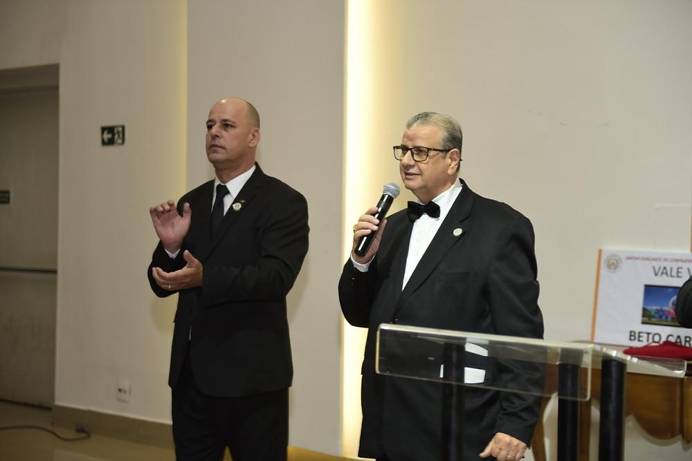 Poderoso Irmão Fausto Rosa, Grande Secretário de Eventos do GOISP, conduzindo a festividade (Foto: Sonefotos)