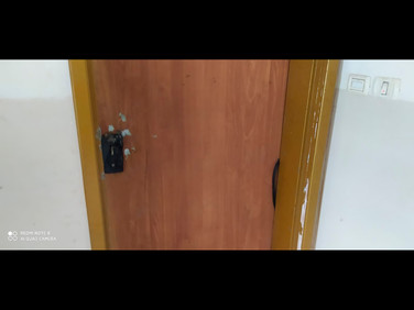 Puerta destrozada