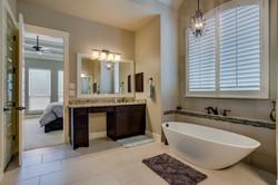 446 - 19 Master_Bathroom_1