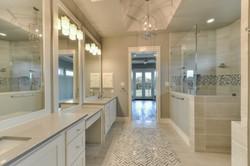 14 - MSuite Bath 3